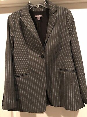 pinstripe maternity business suit-A pea in the pod- medium