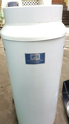 Belfort instrument tipping bucket heated rain gauge