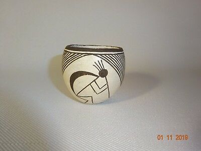 Excellent Lucy Lewis Acoma Indian  Pueblo Pottery