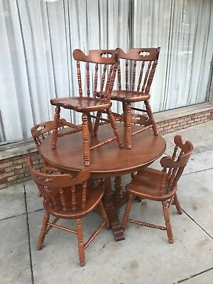 TELL CITY 46 Inch Round Maple Table with 2 Leafs and 6 Solid Chairs — VERY GOOD