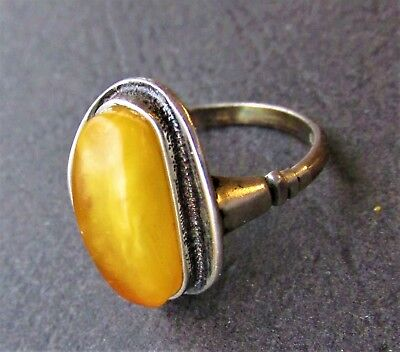 Natural Antique Butterscotch Egg Yolk Baltic Amber Silver Ring 4.1g.