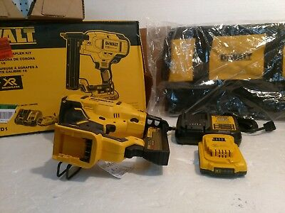DEWALT DCN681B 20V MAX XR 18 Gauge Narrow Crown Stapler complete kit