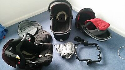 Graco Evo travel system with accessories (just a few scuffs on frame & wheels)