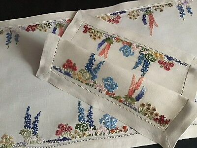 Beautiful Set 2 Hand Embroidered Table Runner & Mat ~ Country Cottage Florals