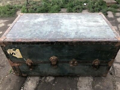 Vintage Shipping Bording Trunk