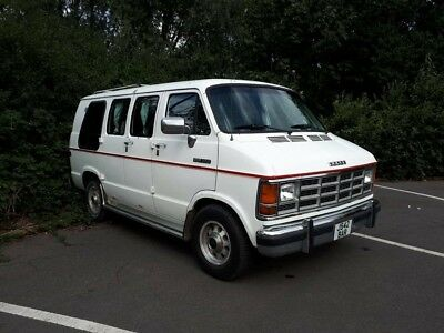 Dodge B250 Day Van