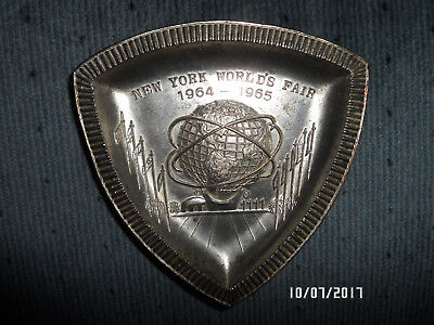 1961 New York Worlds Fair Metal Tray 1964-1965  made in Japan