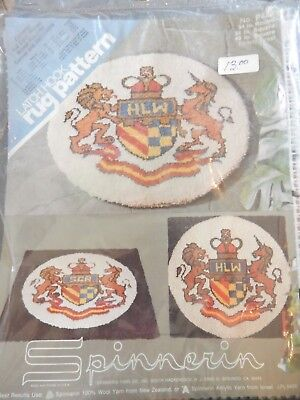 "VTG New Spinnerin Latch Hook Rug Canvas Only 34"" Round P428 ""Family Crest"""