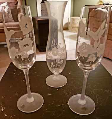 Pair of Avon 24% Lead Etched Crystal Hummingbird Champagne Flutes & Bud Vase