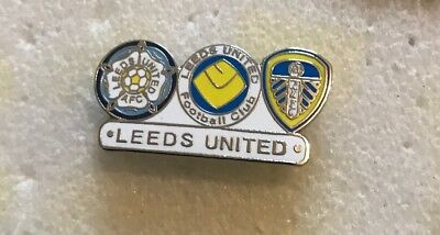 Very Rare Leeds United  Supporter Enamel Badge - Leeds Historical Crests