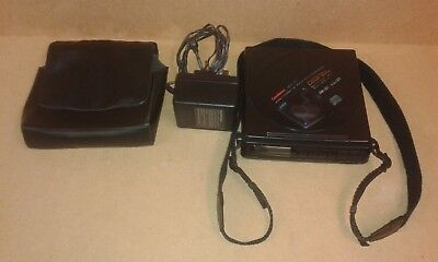 Goodman Gcd40 Stereo Compct Disc Player Complete With Transformer & Case.
