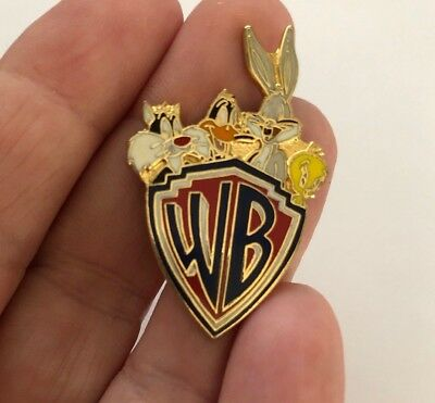 1992 Warner Brothers WB Bugs Bunny Sylvester Tweety Bird Daffy Duck Pin Badge