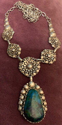 Exceptional Navajo attr. Clem Nalwood Chrysocolla Chrysanthemums Silver Necklace