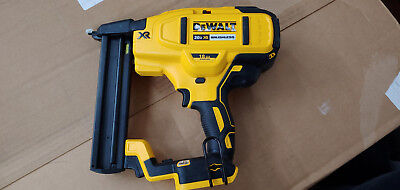 DeWALT DCN681 BRUSHLESS 20v MAX XR 18-Gauge Narrow Crown Stapler, baretool (C20)