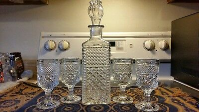 Vintage decanter set with 4 glasses. Liquor decanter. Crystal