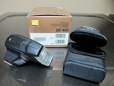 Nikon Speedlight SB-400 Shoe Mount Flash for Nikon with Case