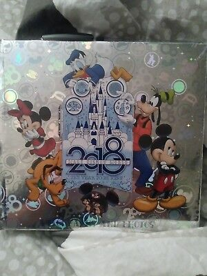 Disney Parks  2018 Silver Autograph and Photo Book with Pen NEW