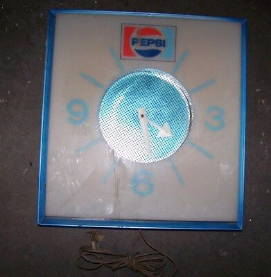Vintage  Pepsi Cola Wall Clock, Model G665 - 70's - For Parts or Repair
