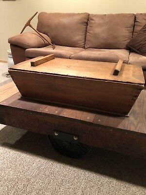 Primitive - Antique Wooden Dough Box With Lid- Gorgeous Dovetail Work
