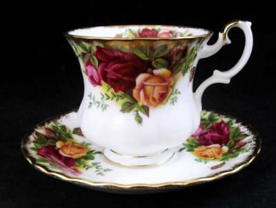 Royal Albert OLD COUNTRY ROSES Demitasse Cup and Saucer Set GREAT CONDITION