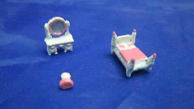 Dollhouse Miniature Metal 144th Scale Girl's Room  - Pink & White