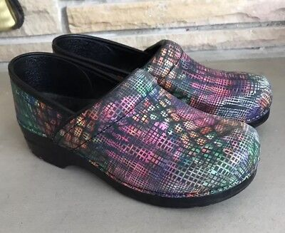 Dansko Clogs 40 Multi Color Print Shoes Nursing Professional 9 GUC Women's