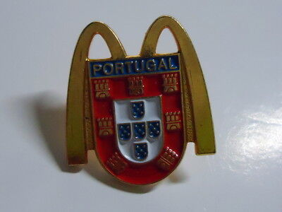 McDonald's Pin - Portugal - 25mm - McDonald / McDonalds