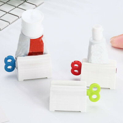 Saving Manual Toothbrush Holder Plastic Toothpaste Squeezer Rolling Tube
