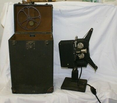 Kodascope 16mm film movie projector EE series II With Case