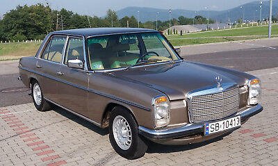 Mercedes W115 240D 1976 Lowrider Project