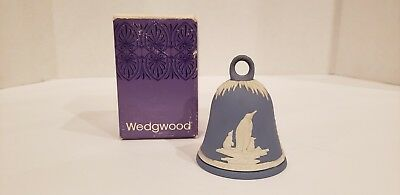"A Vintage WEDGWOOD NEW YEAR 1979 BELL with Box White on Blue Penquins on Ice 3""T"