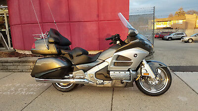 2013 Honda Gold Wing  2013 Honda Gold Wing GL1800 Audio Comfort Navi XM - NO RESERVE!