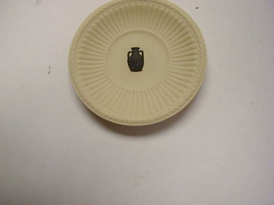 "Wedgwood Jasperware Black on Primrose Fluted 3"" Plate Buten Museum Free Shipping"