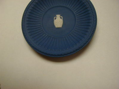 "Wedgwood Jasperware White on Blue Fluted 3"" Plate Buten Museum Free Shipping"