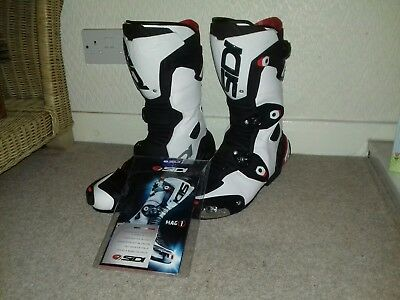 Sidi 'mag 1' motorcycle boots. Uk 9.5 black white