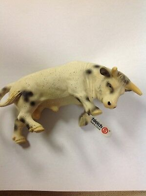 Schleich White Spotted Rodeo Bull from Farm Life Series 2005