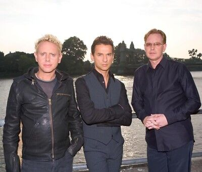 Depeche Mode UNSIGNED photograph - M9914 - English electronic band - NEW IMAGE!!
