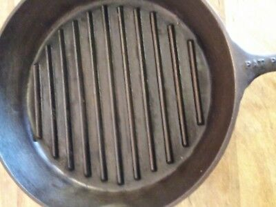 "Older 11 1/4"" Single Notch Lodge Grilling Cast Iron Skillet  Pat. Pending"