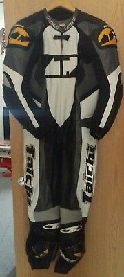 Rs Taichi Gp Race Leather Suit