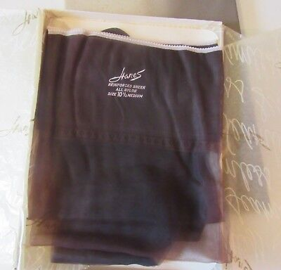 1 Pair Vintage Hanes Seamless Stockings  #415 Sheer Barely Black-10 1/2 Medium
