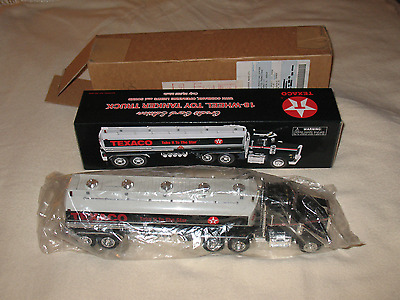 """""""18-Wheeler Toy Tanker Truck Texaco"""" New/Limited Ed./Bank, Lights, Sound"""