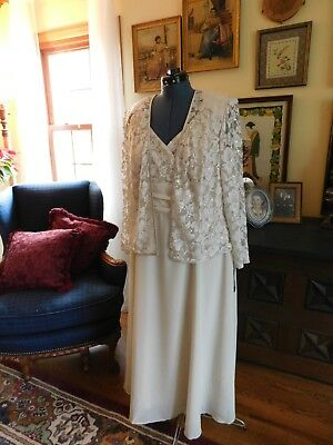 Stunning Plus Size Mother Of The Bride/formal Bone (Ivory) 2-Piece Gown Sz16W