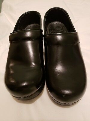Dansko Women's Black Leather Cabrio Professional Clogs Shoes~~Size 37 6.5-7