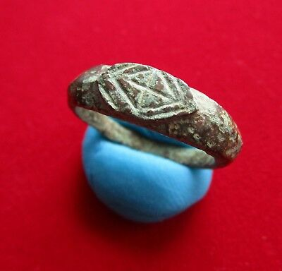 Ancient ROMAN BRONZE ENGRAVED RING. I century
