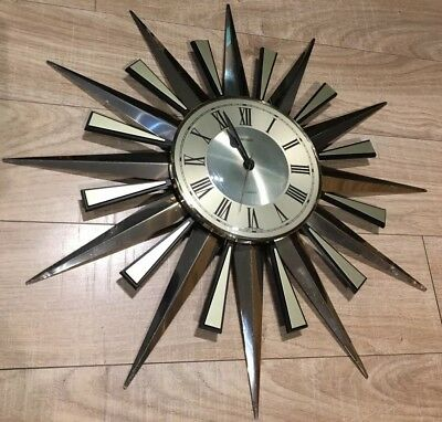 Large Vintage Metamec Sunburst Starburst Wall Clock. Working