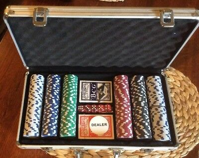 New Unused 300 Chip Poker Set In Lockable Aluminum Case