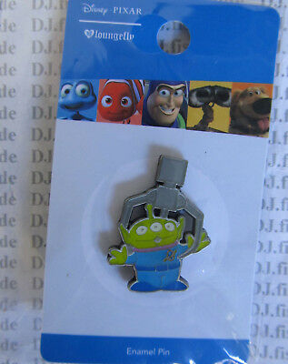 Disney Loungefly Pin LITTLE GREEN MEN ( Toy Story ) Claw  NEW