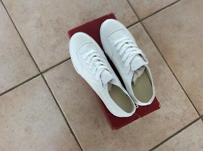 "CHAUSSURES HOMME Tennis montantes  BLANCHES /"" A.P.C /"" 38 //40    NEUVES"