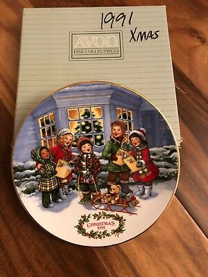 Avon Fine Collectibles 1991 Christmas Plate
