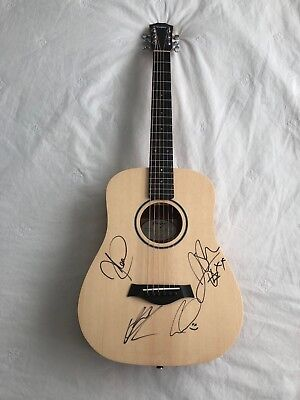 5 Seconds Of Summer  AUTOGRAPHED TAYLOR NEW GUITAR. 4 MEMBERS SIGNED 5SOS RARE